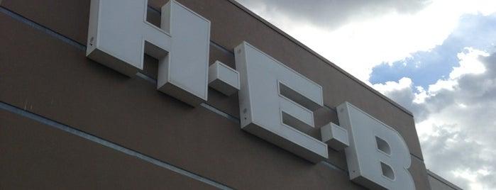 H-E-B is one of Lugares favoritos de Cristina.