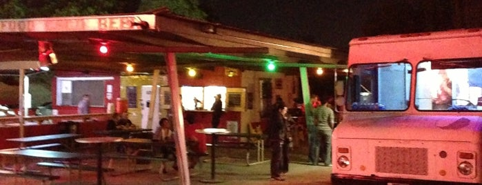 Alamo Street Eat Bar is one of texas.