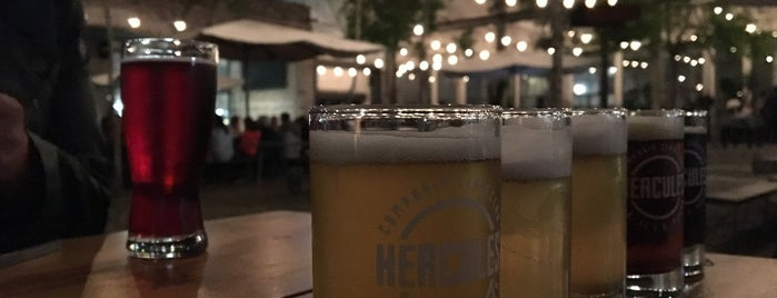 Cervecera Hércules is one of Lugares favoritos de Armando.