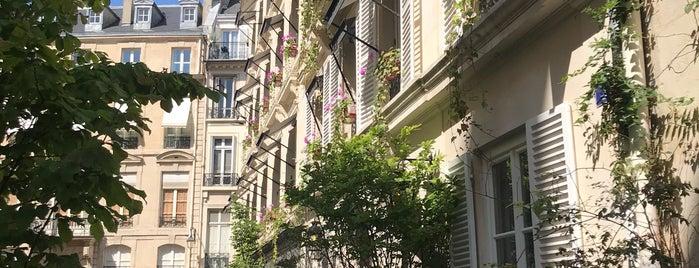 Hôtel Le Saint is one of Alison : понравившиеся места.