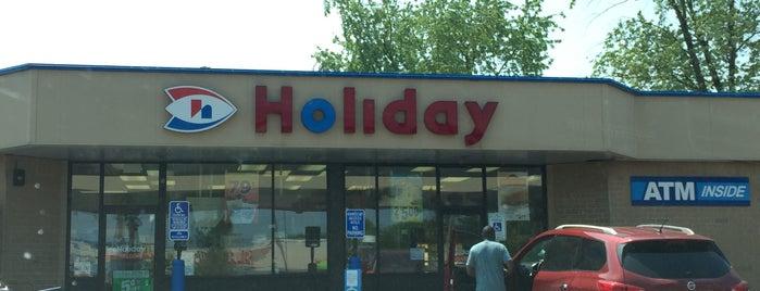 Holiday Stationstores is one of Dan : понравившиеся места.