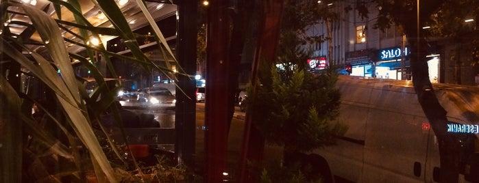 Kiri Patisserie & Coffee is one of Lugares favoritos de @onur.