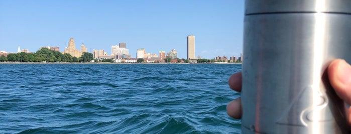 Lake Erie is one of Locais curtidos por Christina.
