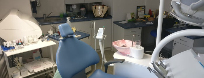 Dental Studio is one of Tempat yang Disukai Oleksii.