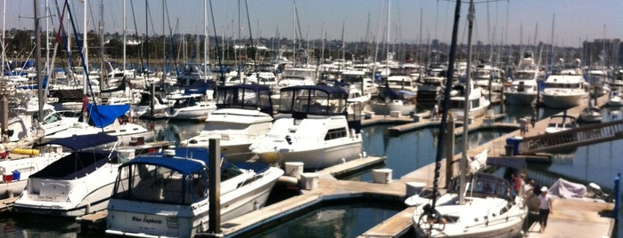 Harbor Island West Marina is one of Lisa's Liked Places.