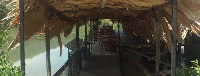 Kamunting Lake View Restaurant is one of Gespeicherte Orte von Eddie.