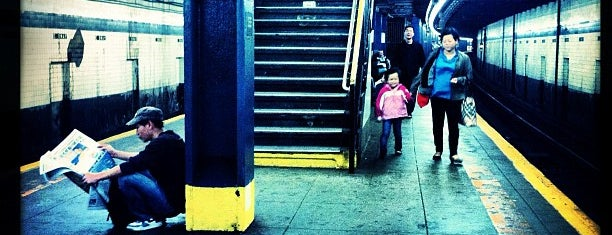 MTA Subway - East Broadway (F) is one of Posti che sono piaciuti a Will.
