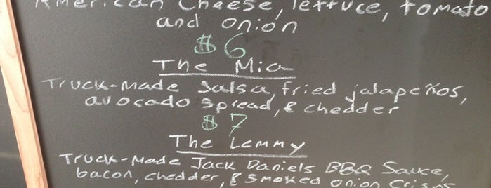 Bone Daddy's Burgers is one of สถานที่ที่บันทึกไว้ของ Michelle.