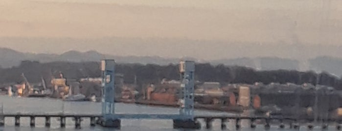 Mare Island Naval Shipyard is one of Lieux sauvegardés par Tom.