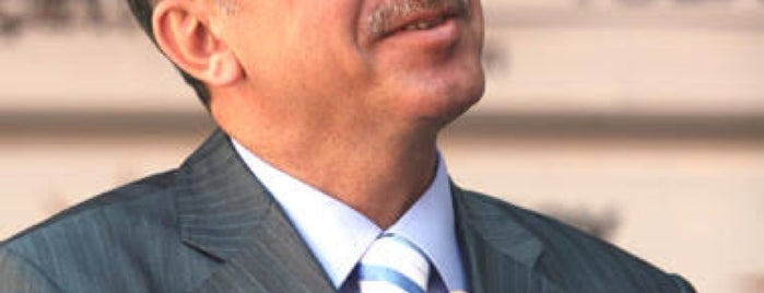 Recep Tayyip Erdoğan is one of สถานที่ที่ 🇹🇷Tolga Duran ถูกใจ.