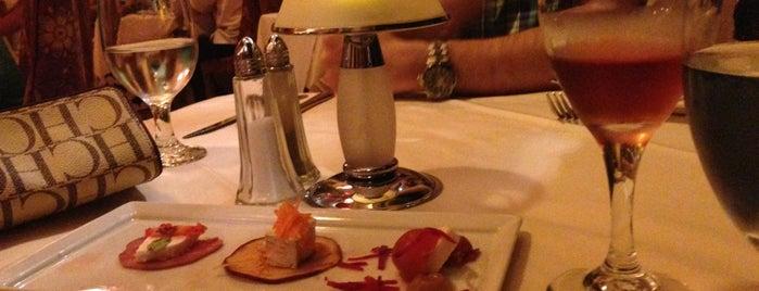 Veneto Restaurante is one of Angie'nin Beğendiği Mekanlar.
