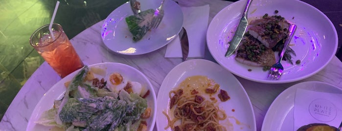 White Plate by Lobster & More is one of Bangkok.