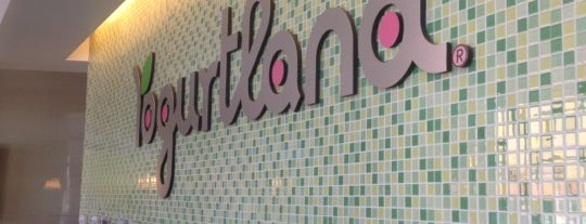 Yogurtland is one of Lieux qui ont plu à Jen.