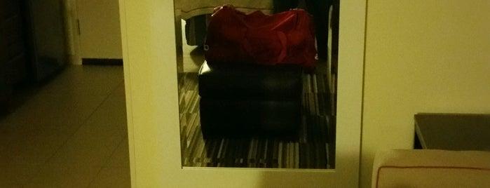Home2 suites is one of Orte, die Jan gefallen.