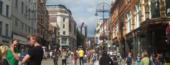 Briggate is one of Carlさんのお気に入りスポット.