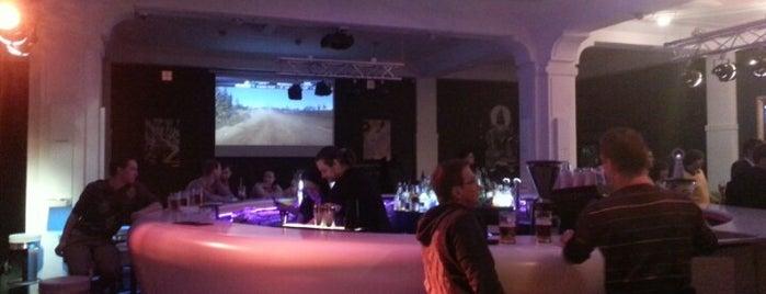 360º Lounge Bar is one of Nejlepší studentské party venues.