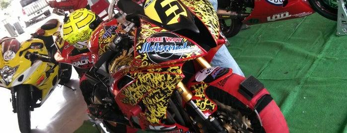 One Way Motorcycle is one of CDMX - Weekend.
