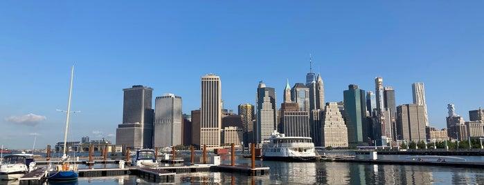 Brooklyn Bridge Park Greenway is one of Tempat yang Disukai Jason.