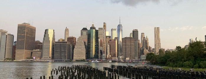 Brooklyn Bridge Park Greenway is one of Locais curtidos por Pia.