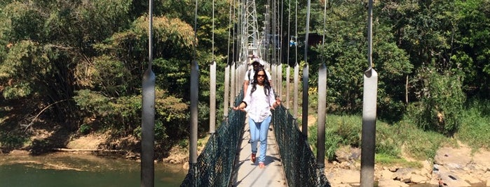 Royal Botanic Garden Suspension Bridge is one of สถานที่ที่ Christine ถูกใจ.