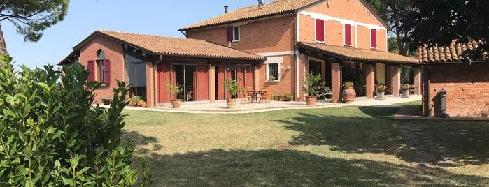 Agriturismo Relais Varnello is one of สถานที่ที่ K ถูกใจ.