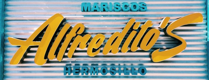 Mariscos Alfredito's is one of Lugares guardados de Martin.