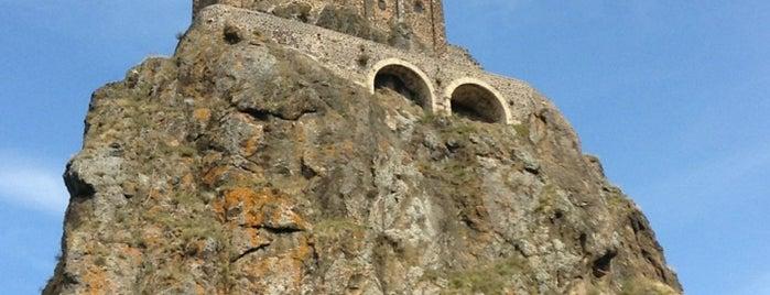Rocher Saint-Michel is one of Locais salvos de Finn.
