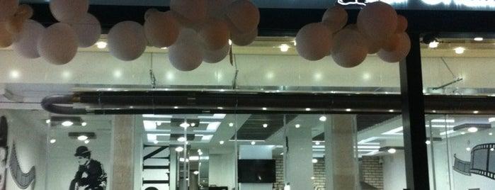 Cafe Charlo is one of Posti che sono piaciuti a 🇹🇷.