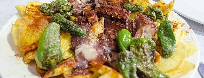 Restaurante La Perla is one of mis sitios.