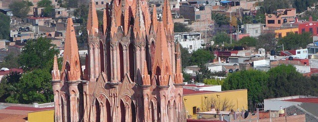 San Miguel de Allende is one of Pueblos Mágicos.