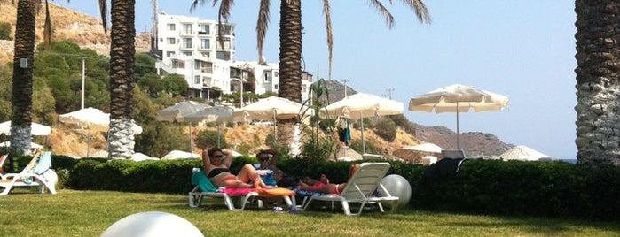 Simin Beach&Restaurant is one of Favorilerim.