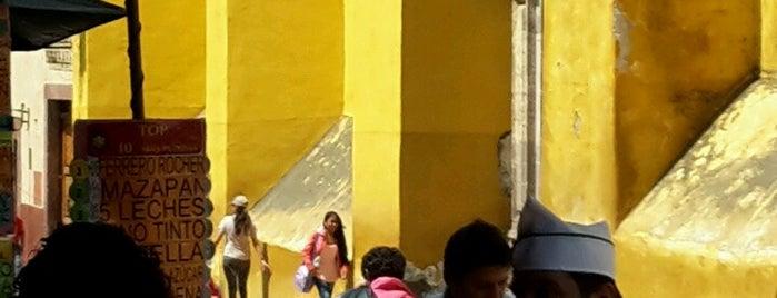 Nieves Artesanales Santa Ana is one of Stephania 님이 좋아한 장소.