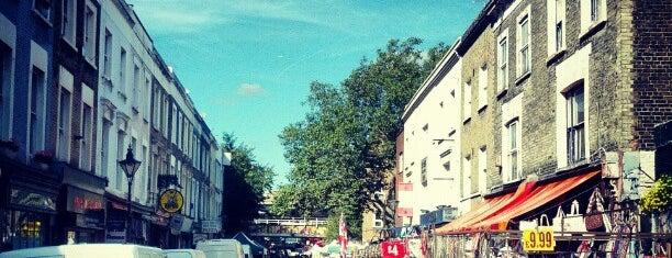 Mercado de la calle Portobello is one of Where to go in London.
