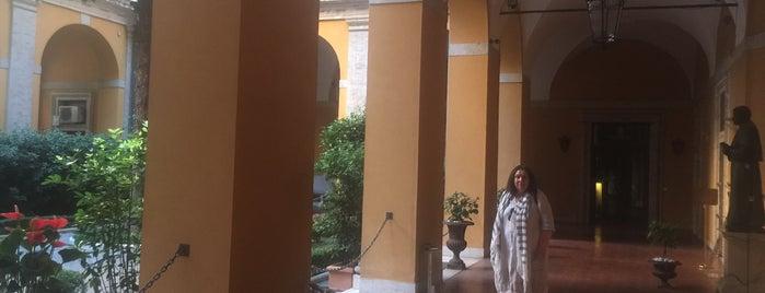Palazzo Cardinal Cesi is one of Lugares favoritos de Evren.