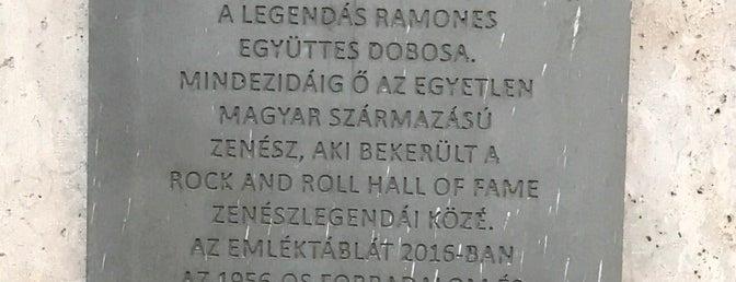 Ramones emléktábla is one of BP.