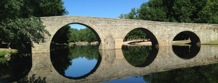 Puente Romanico de Navaluenga is one of Castilla y León.