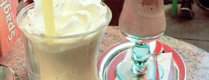 Eiscafe Zollhof is one of Düsseldorf Best: Coffee & desserts.