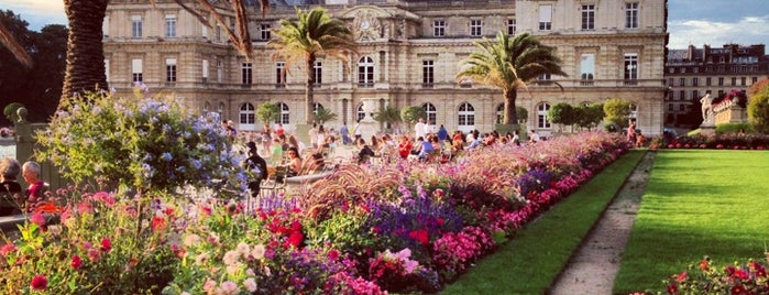 Jardin du Luxembourg is one of Paris: husband's hometown ♥.