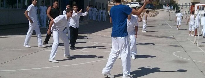 Hacı Rahime Ulusoy Mesleki ve Teknik Anadolu Lisesi is one of Orte, die ENES gefallen.