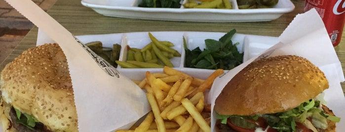 Cengiz Hamburger is one of Orte, die Beyaz gefallen.