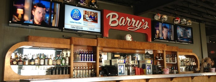 Barry's Bar & Grill is one of Lincoln.