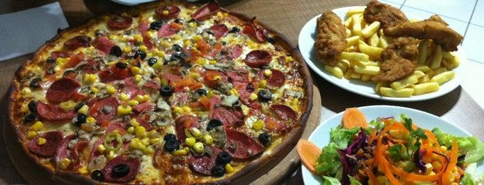 Napoli Pizza is one of Locais curtidos por Gökhan.