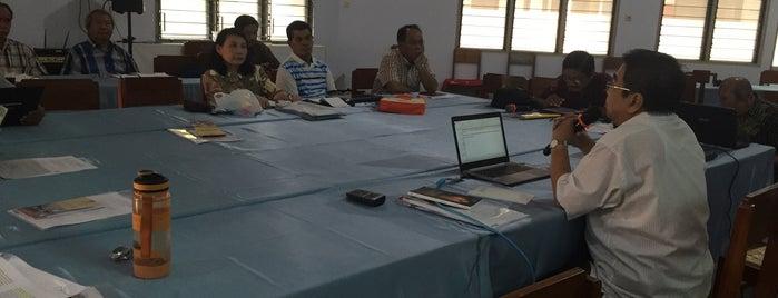 Sekolah seminari OMI is one of Gereja Katolik & Biara di Indonesia.