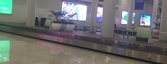 Baggage Claim 2 is one of Orte, die Shank gefallen.