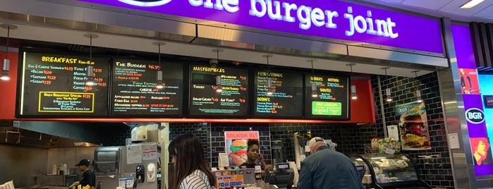 BGR  The Burger Joint is one of Posti che sono piaciuti a Aljon.