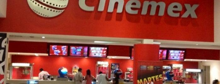 Cinemex is one of Ricardoさんのお気に入りスポット.