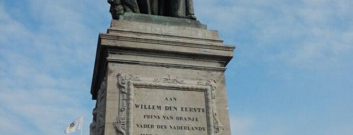 Standbeeld Prins Willem den Eerste, Prins van Oranje is one of Nizozemí.