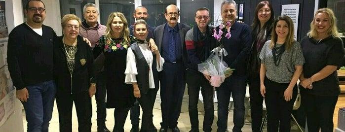 İzmir Eczacı Odası is one of Çağdaş'ın Beğendiği Mekanlar.