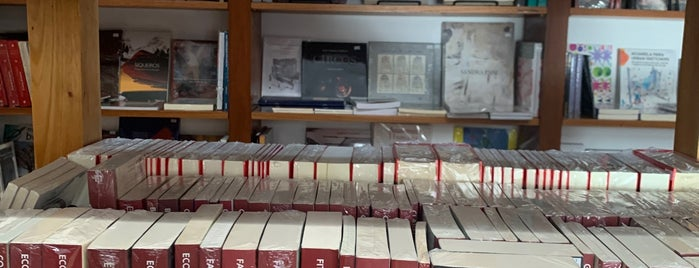 Librería Grañén Porrúa is one of Oaxaca.