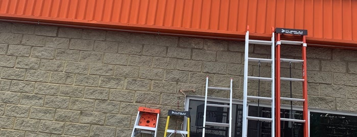 The Home Depot is one of Lieux qui ont plu à Diego.